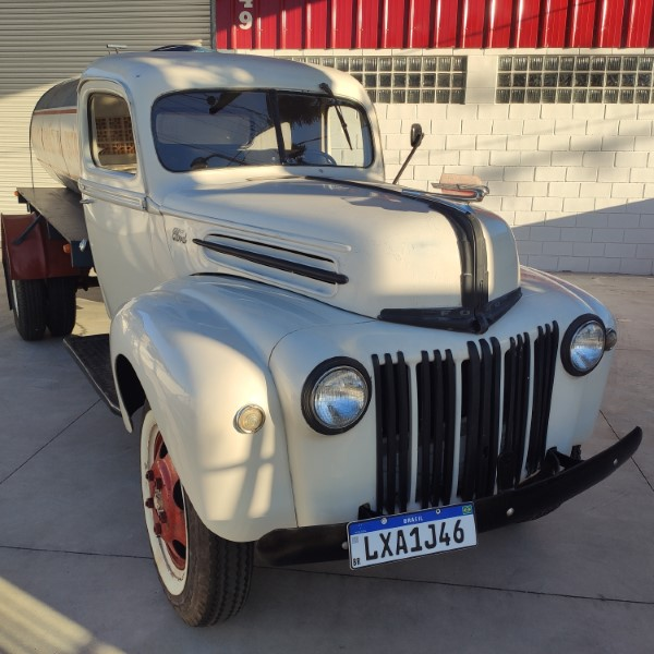 FORD TRUCK - 1946